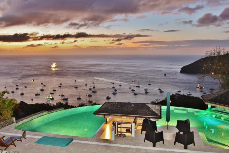 5* Luxury POOL HOUSE 'Absolute heaven in Bequia', alquiler de vacaciones en Port Elizabeth