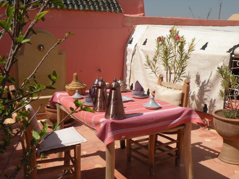 le coin repas de la terrasse