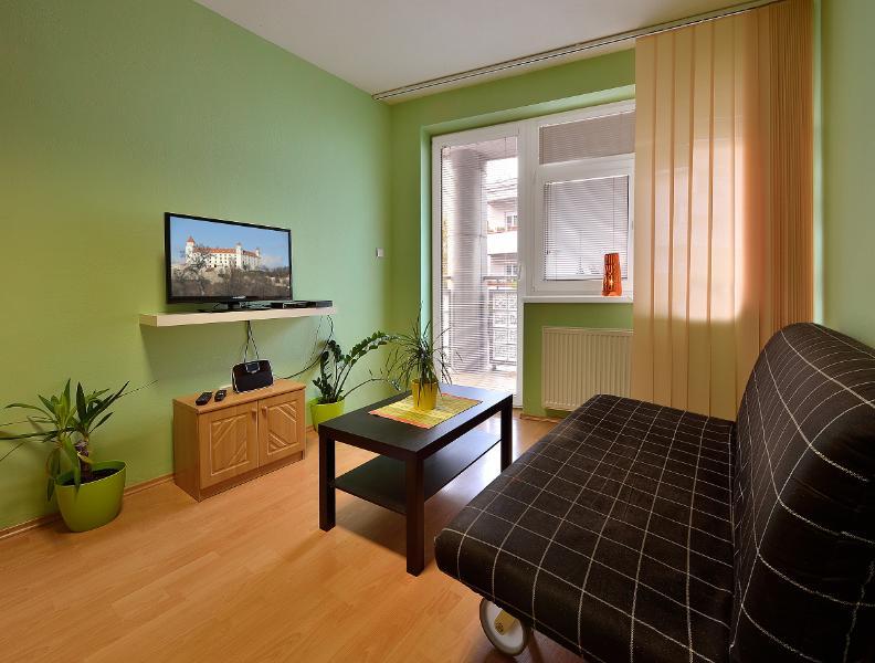 2 BDR apartment Zamocka 5, holiday rental in Karlova Ves