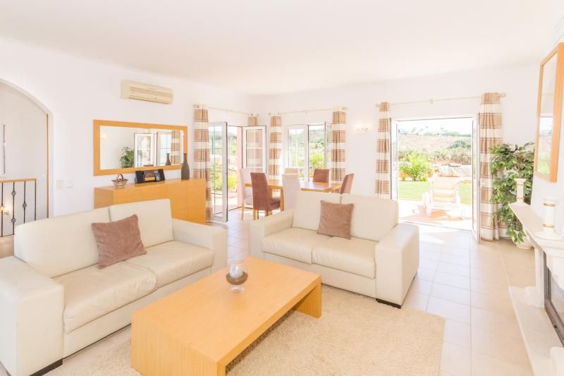 Spacious living areas Villa Rosa