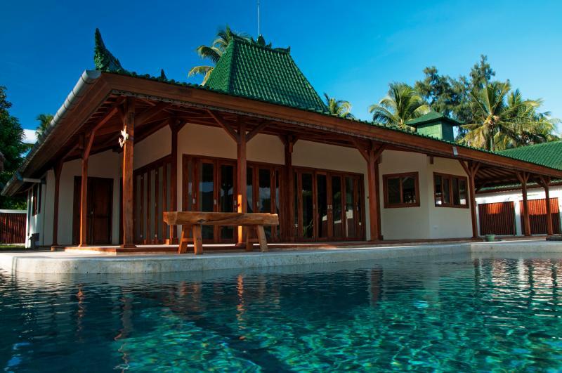 Nautilus SeaView Villa By 7SEAS Gili Air, holiday rental in Gili Air