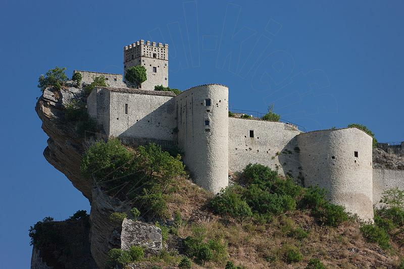 Roccascalegna Castle is only 10 km away