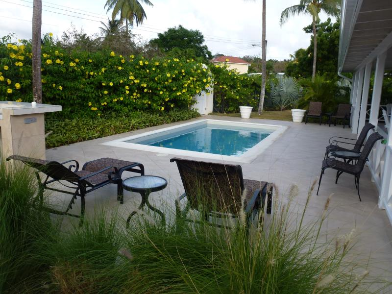 Cherry House Sunset Crest; Luxury Villa with Private Pool, vacation rental in Holetown