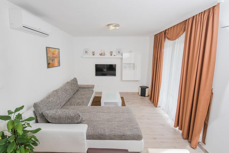 De Luxe Apartment - 4, location de vacances à Kastel Novi