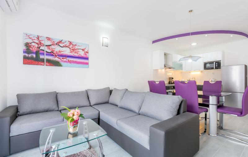 Villa apartments Kordić, casa vacanza a Kastel Luksic