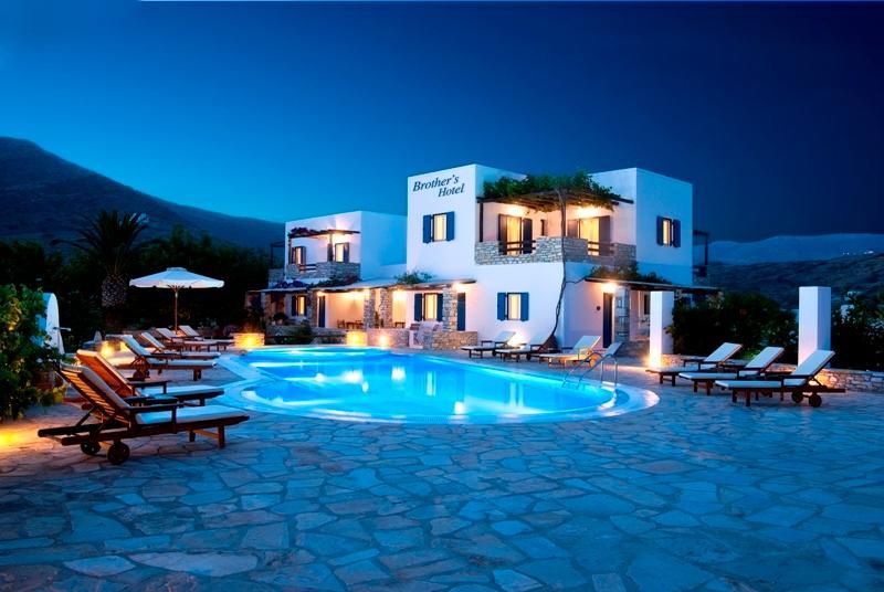 Ios Deluxe Double room, holiday rental in Milopotas