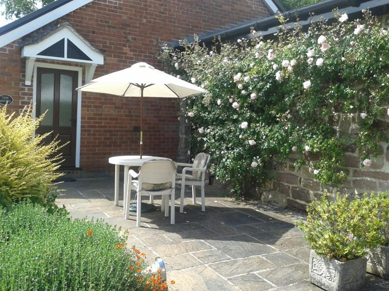 The Mistal comfortable cottage in Blackbrook, holiday rental in Holbrook