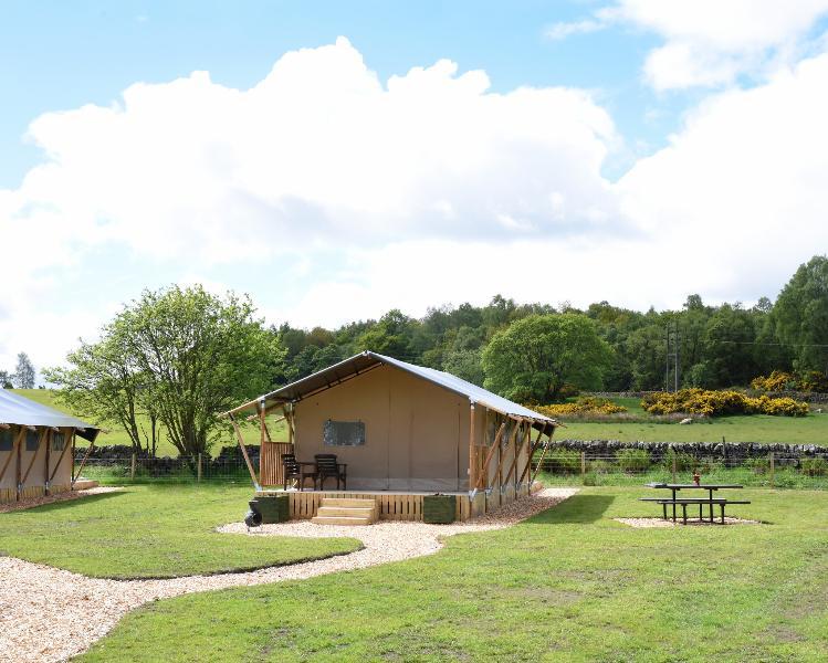 'Hazel' Luxury Safari Tent, holiday rental in Kilsyth