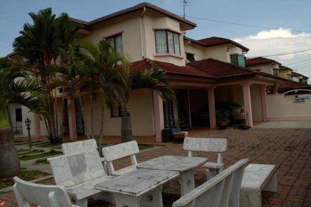 Sekinchan sommaren Resort semi bungalow
