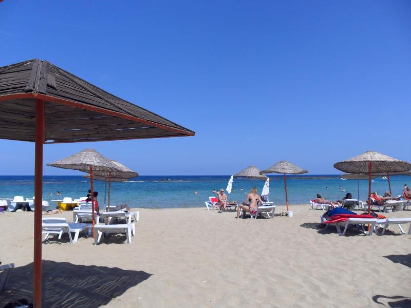 1 Bedroom Apartment Famagusta Northern Cyprus, holiday rental in Famagusta