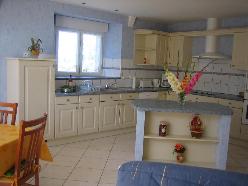 GITE LA GRANGE, holiday rental in Senezergues