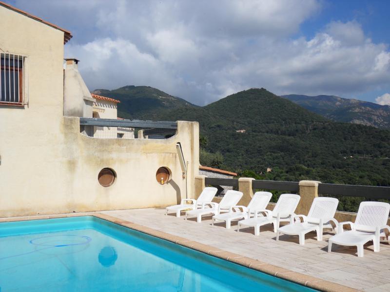 LA CHIOSELA  PROPRIETE 4**** PRES D'AJACCIO, holiday rental in Haut-De-Bosdarros