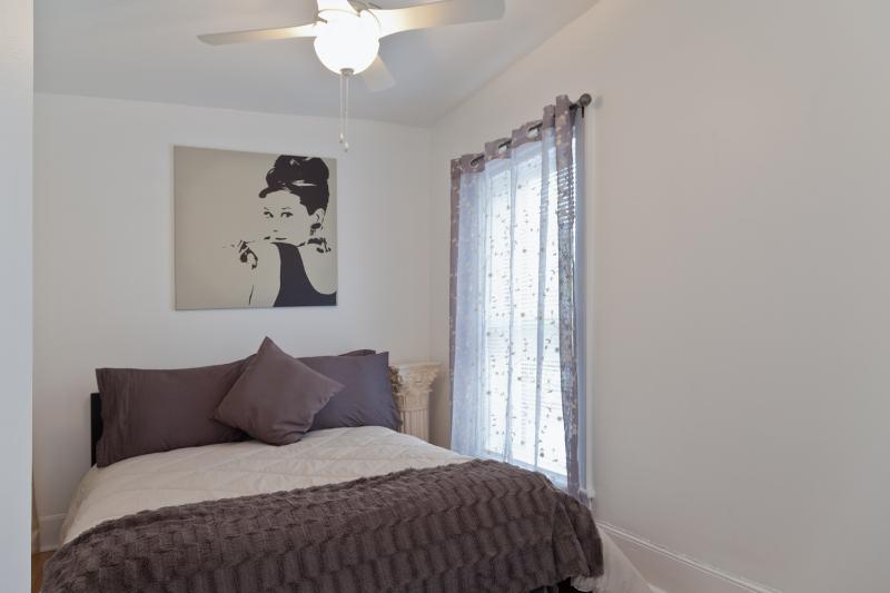 L'Audrey Hepburn chambre avec lit double