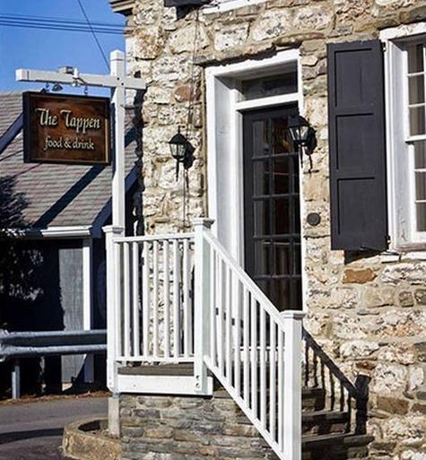 Le Tappen-Nouvelle Cuisine américaine dans maison historique en pierre