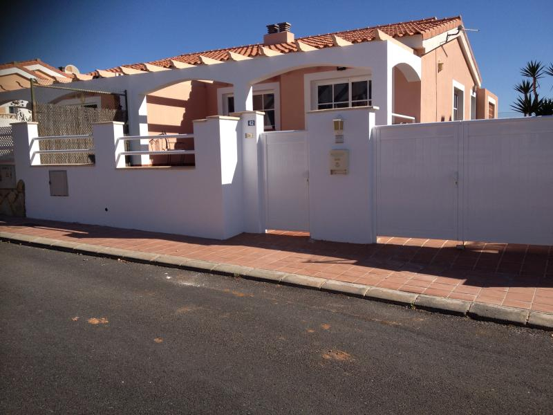 Cracking two bed bungalow on the first golf corse in Caleta