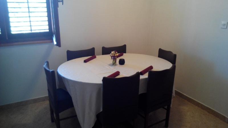 Apartment Soline, holiday rental in Pjescana Uvala