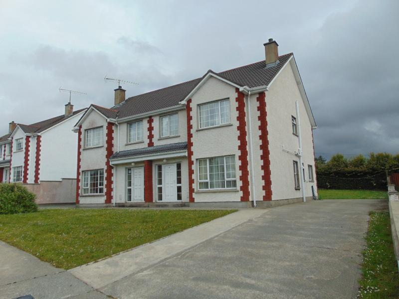 32A The Hawthorns by Wild Atlantic Wanderer, vacation rental in Ballyliffin