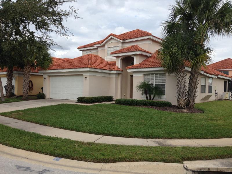 Five Bedroom, Beautifully Decorated House on Corner Lot