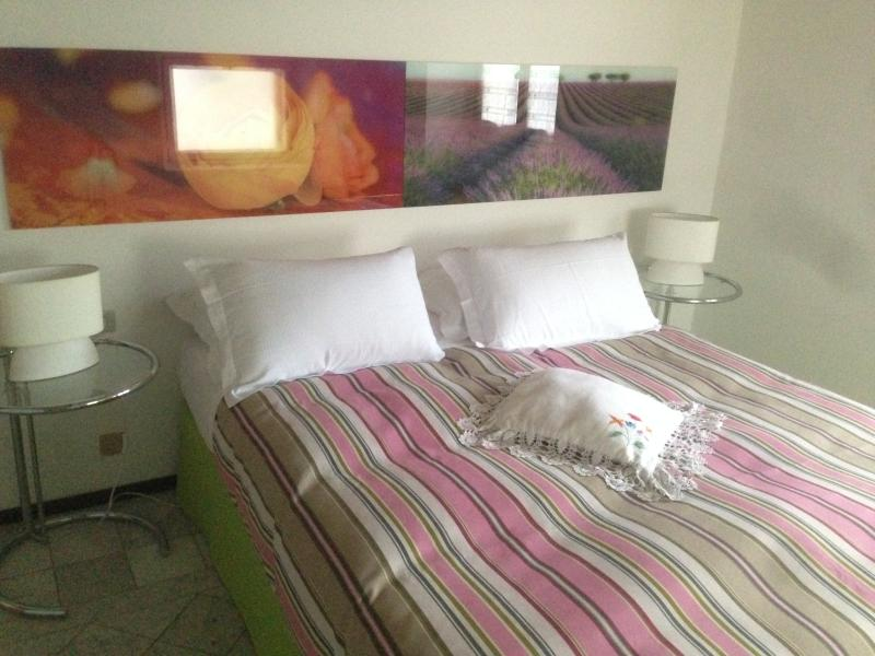 Double room 2 single beds or double bed 200 x 85 x 170