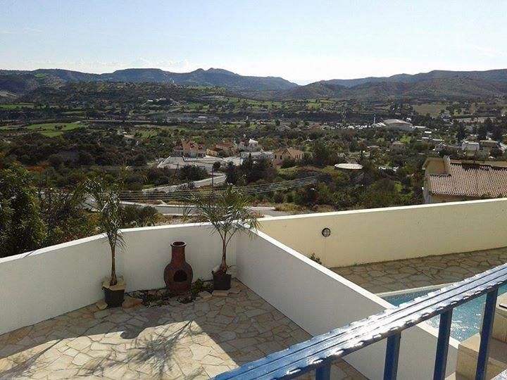 Chrystalla House, holiday rental in Kornos