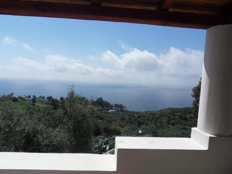 appartamento in Villa 2 camere da letto a Rinella, casa vacanza a Filicudi