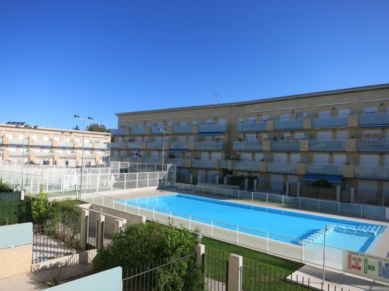 APARTAMENTO UMA CON PISTAS PADEL, holiday rental in Cervera del Maestre