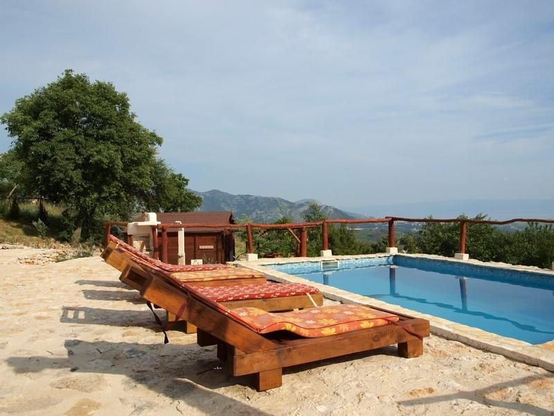 Summer Paradise with pool in hill, holiday rental in Solin