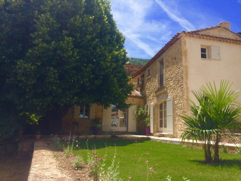 L'écurie de Barbara (Luberon), holiday rental in Castellet