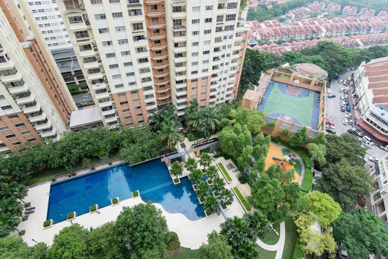 Cosy homestay near IKEA for family/ grp of friends, aluguéis de temporada em Sungai Buluh