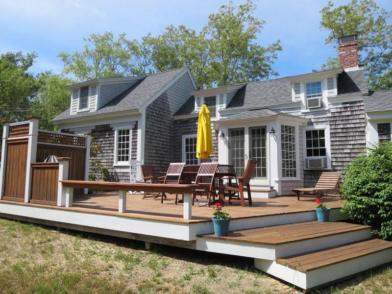 49 Pleasant Lake Avenue Harwich Cape Cod - The 1910 House, holiday rental in Harwich