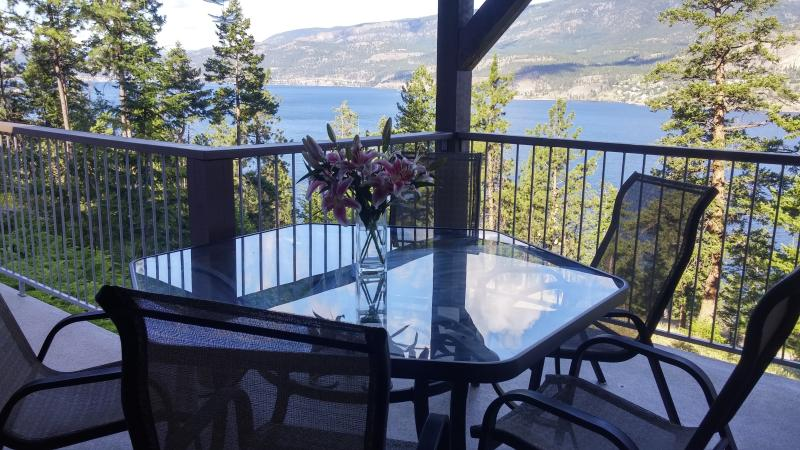 Enjoy meals with a spectacular view