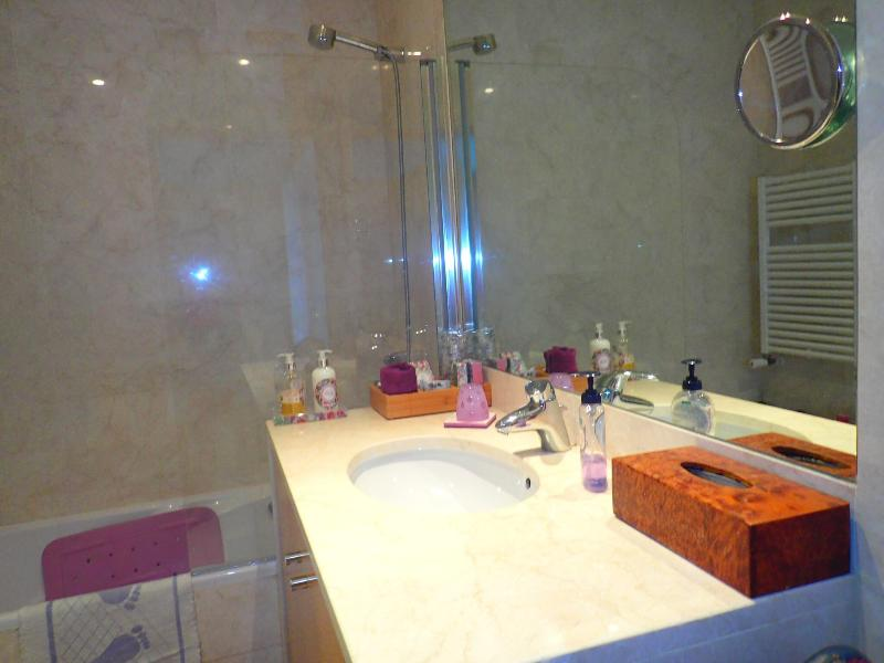 Bath room Purple suite
