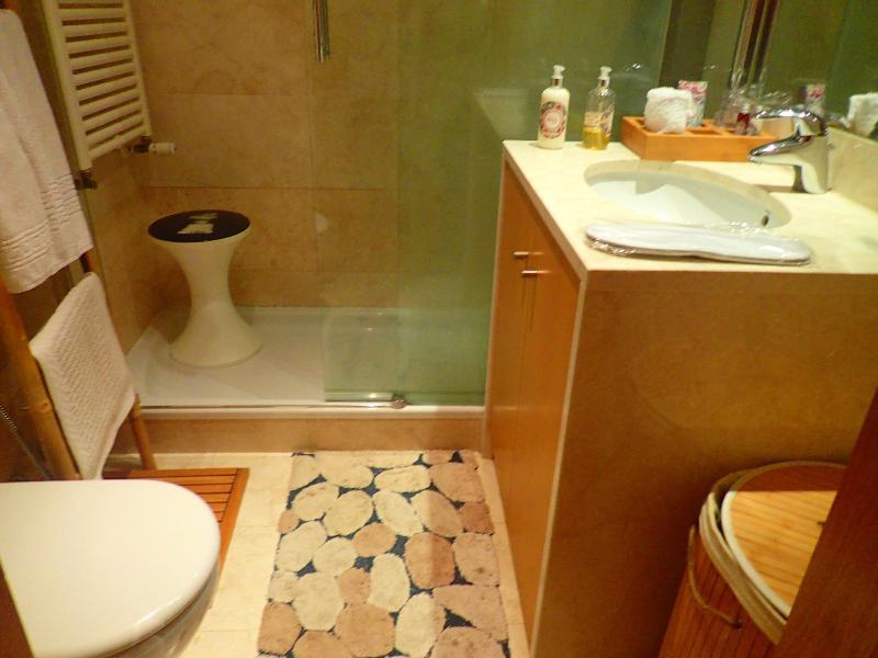 Bath room, Orange room with hidromassage