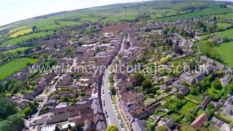 Vista aérea de la medieval Cotswold ciudad de Chipping Campden