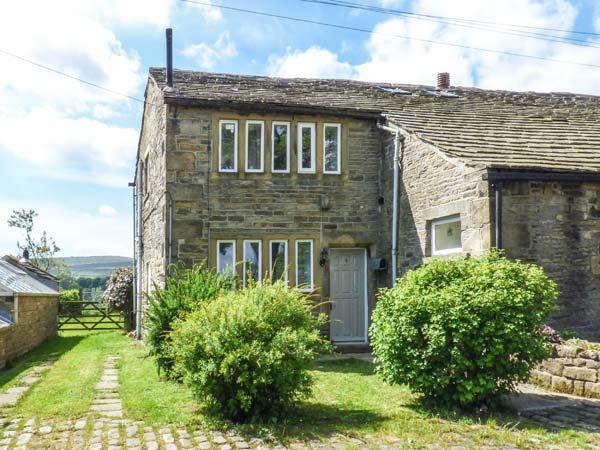 NORTH IVES FARM COTTAGE, country views, patio, close Haworth, Oxenhope Ref, alquiler de vacaciones en Ogden