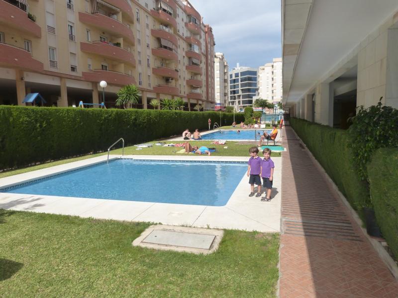 Aquí podéis disfrutar del maravilloso clima de Málaga, en la piscina.