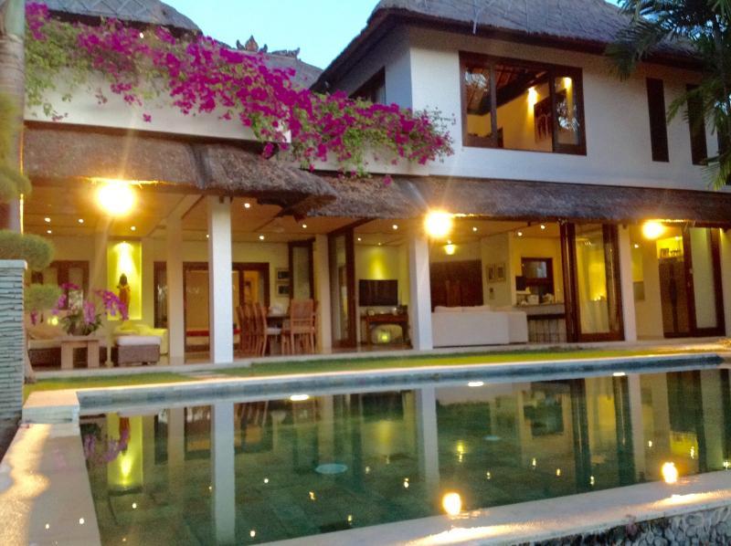Villa Ungasa a penombra - la perfetta vacanza Bali casa per la famiglia e gli amici