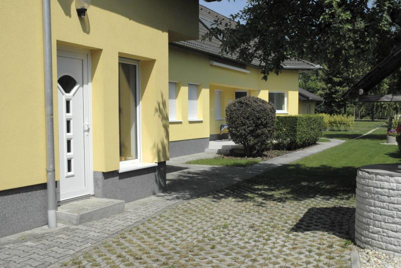 Privatzimmer 3 im Ferienhaus-Donau, vacation rental in Gyor