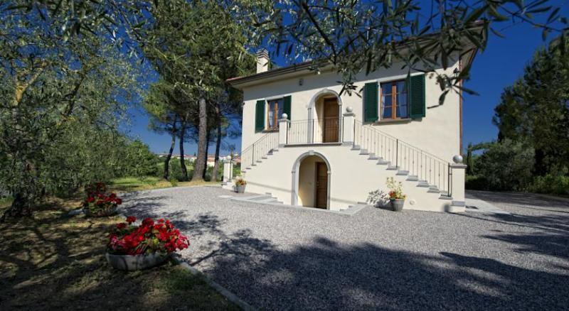 Villa Tancredi, location de vacances à Foiano Della Chiana