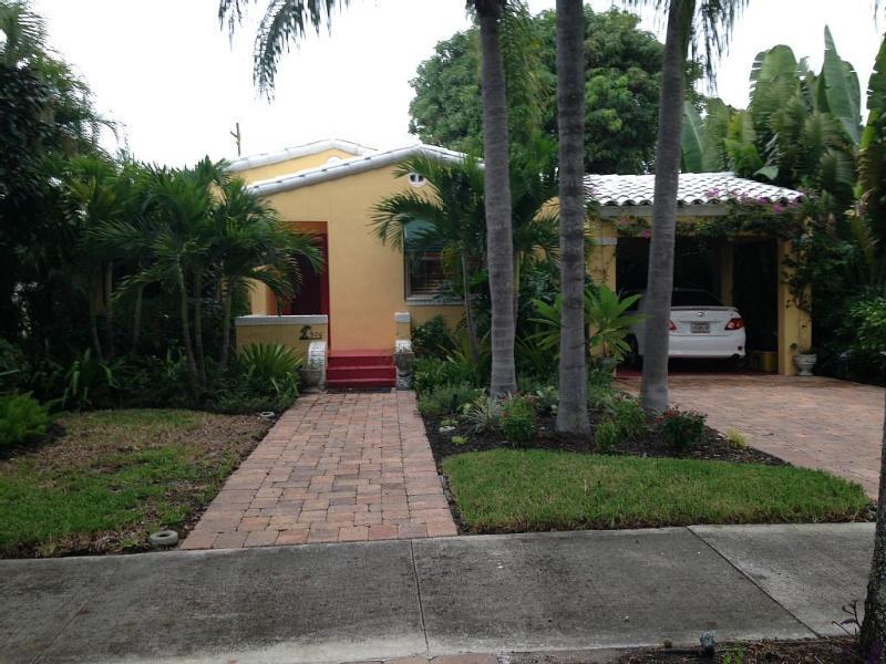 The Artist Cottage Hot Tub Fire Pit, aluguéis de temporada em West Palm Beach