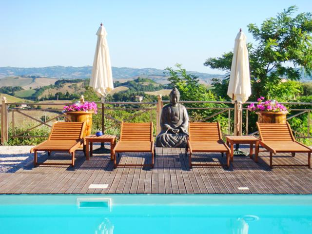 Beautiful apt with pool access, holiday rental in Fermignano