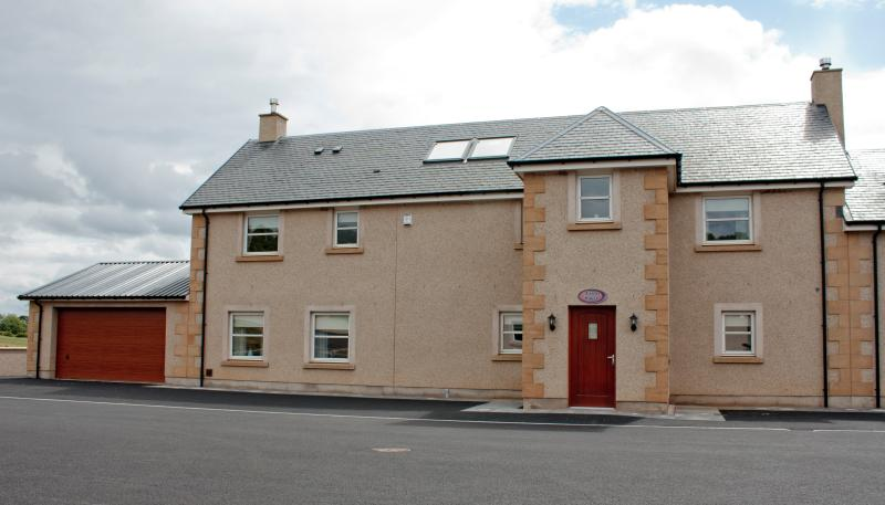 The Farmhouse, vacation rental in Falkirk