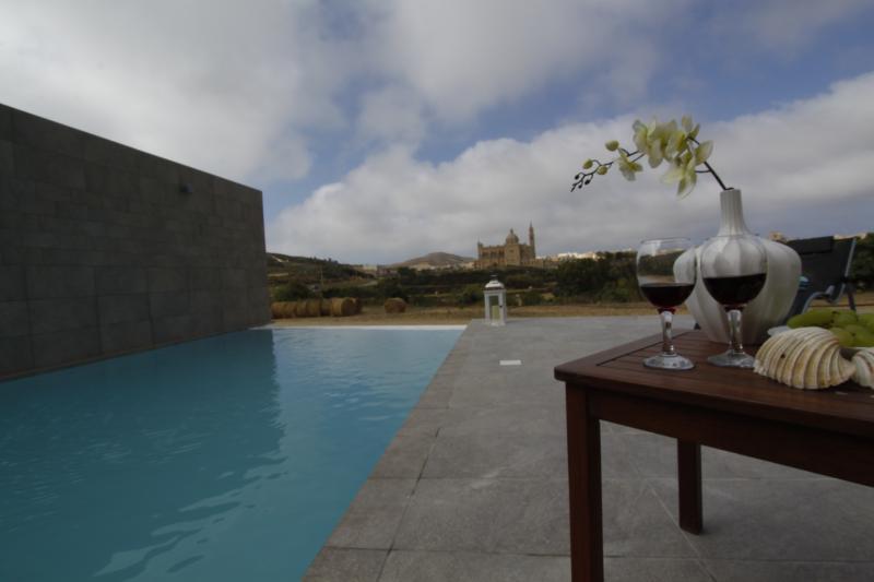 L-Ghabex - a dream vacation rural villa, vacation rental in Ghasri