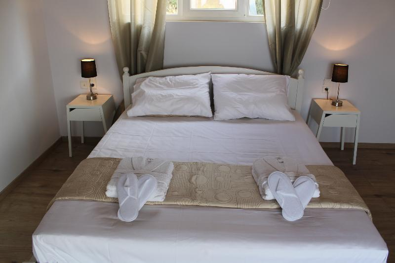 Blue Vedere sea view villa, holiday rental in Fodele