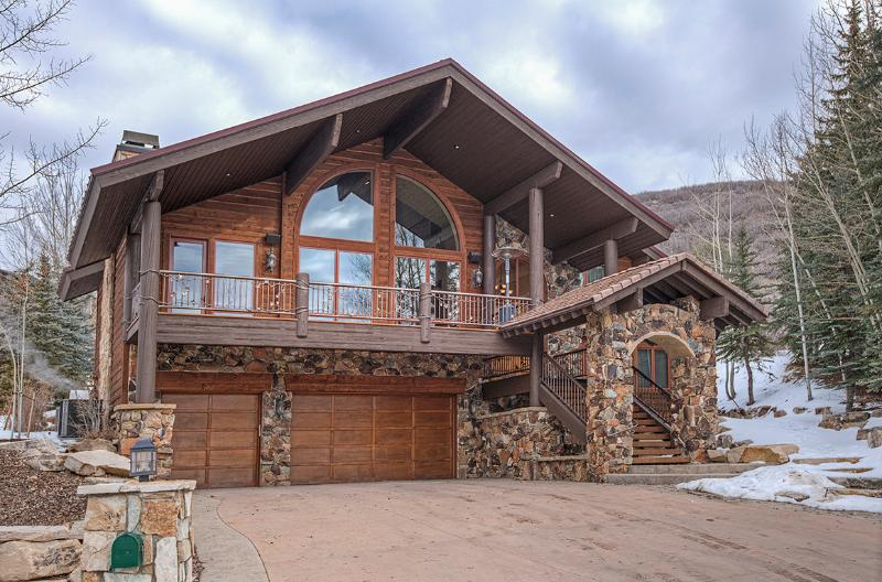 Beautiful Custom Mountain Home with 7950 Square Feet of Living Space! Heated Drive, Three Car Garage