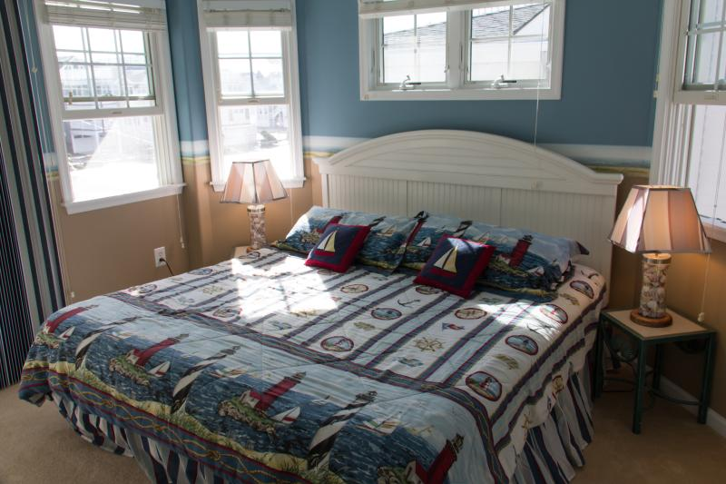 Second Floor Bedroom With King Bed And Private Deck