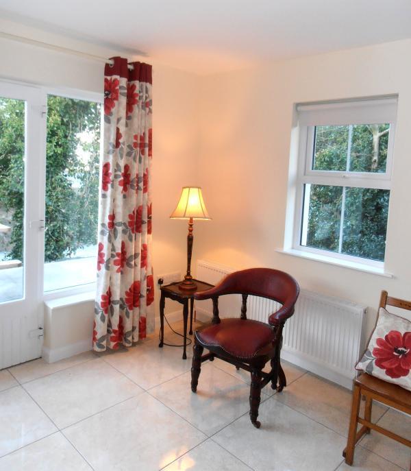 The comfortable Common Room/Kiitchen