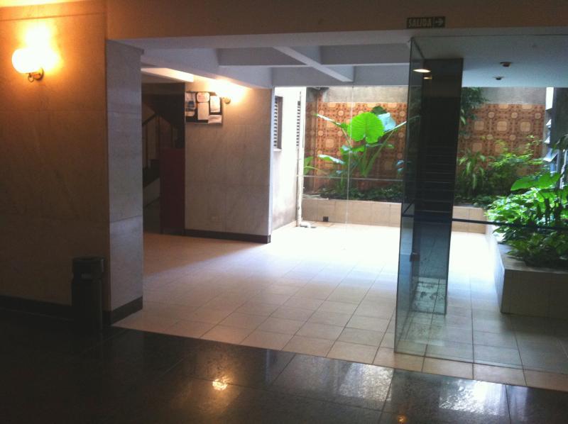 Vestíbulo del edificio / Lobby del edificio - ComprandoViajes
