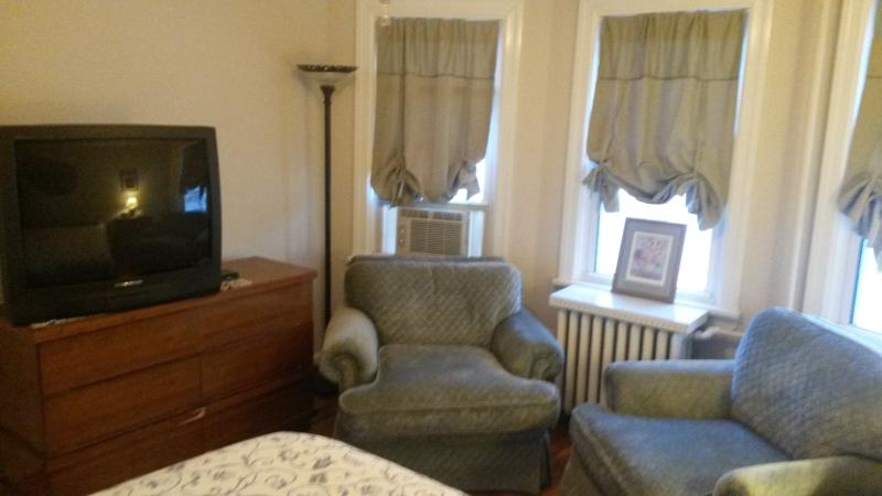 Middle Bedroom with Queen Bed and TV