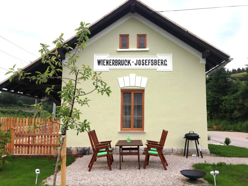 Urlaub am Bahnhof - Himmelstreppe, vacation rental in Lower Austria